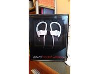 Dr Dre Beats - Powerbeats 2 wireless headphones
