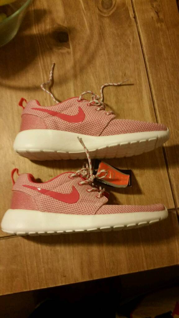 iffpq Nike roshe ladies size 6 new free post | in Thornhill, Cardiff