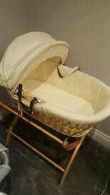 Izziwotnot moses basket (immaculate, hardly used)