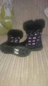 Infants size 5 winter boots