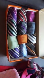Set of 28 male ties