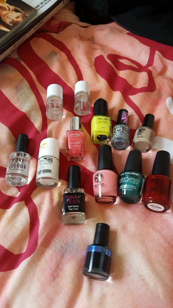 Assorted nail varnishes