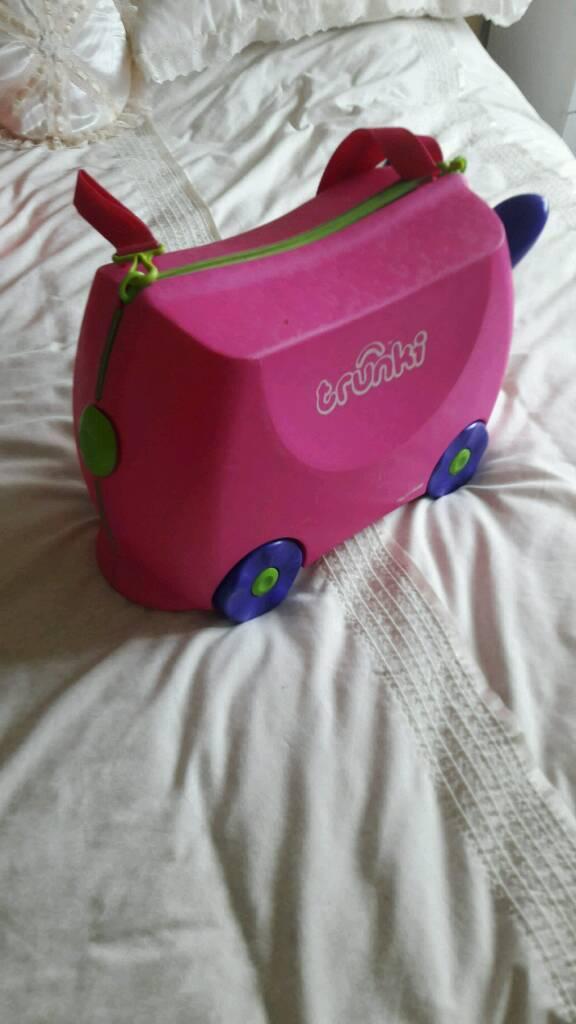 Kids trunkie suitcase