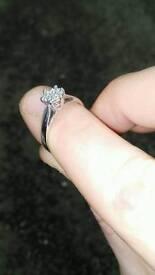 Ladies lovely white gold diamond ring