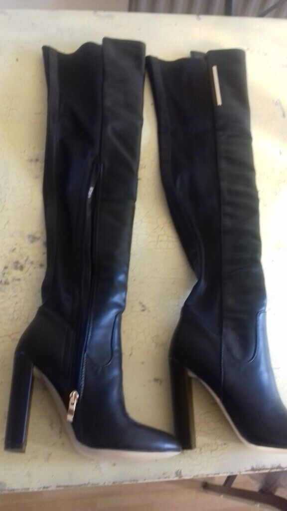 bf04e535be5 Ladies over the knee boots size 4