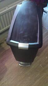 40 litre slim line soft close kitchen bin - Black