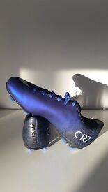 Football boots CR7'S NEW IN BOX