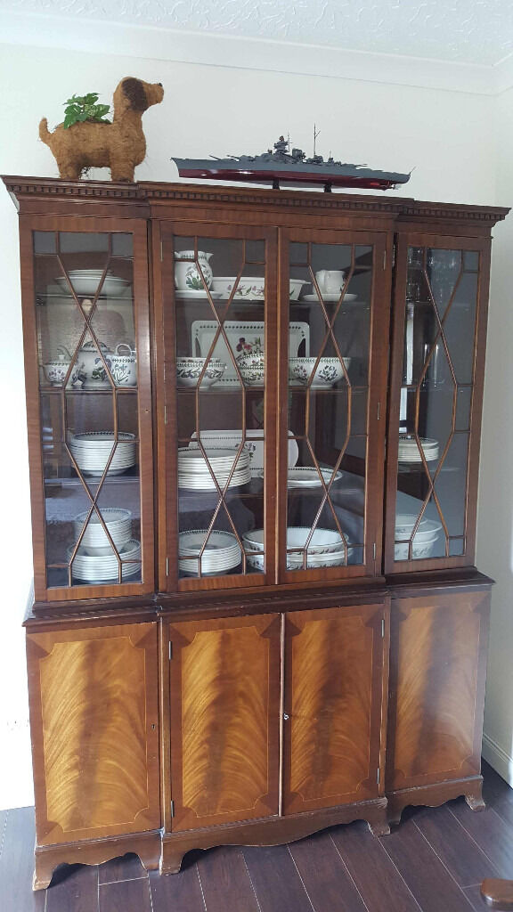 MAHOGANY WALNUT DINING ROOM DISPLAY CABINET AND MATCHING CORNER UNIT