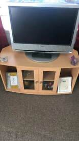 Selling this tv and cabbnet