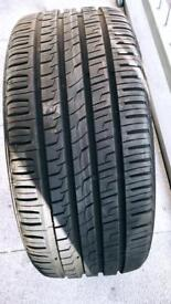 Tyre 225 19 35