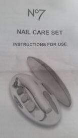N°7 Nail care set - ( new in box)