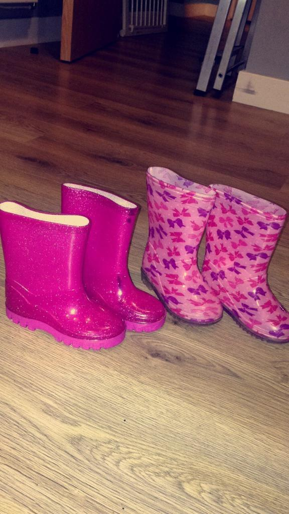 Girls size 6 wellie boots