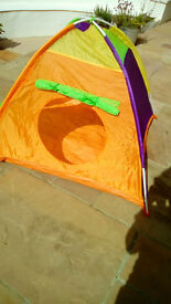 Colourful play tent,