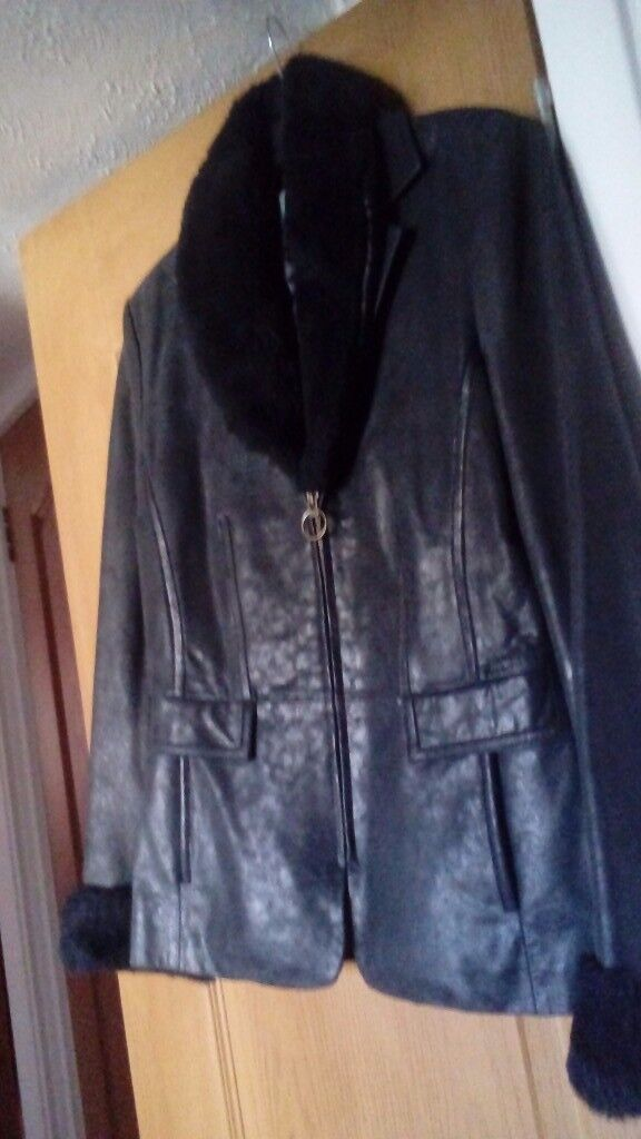 Ladies leather jacket from Wallis (SMALL)