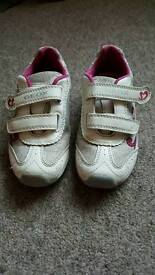 Girls GEOX trainers size 10 infant, white, silver and pink. Great condition.