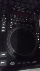 Pair of Cdj American audio 3000 and Behringer DX 2000