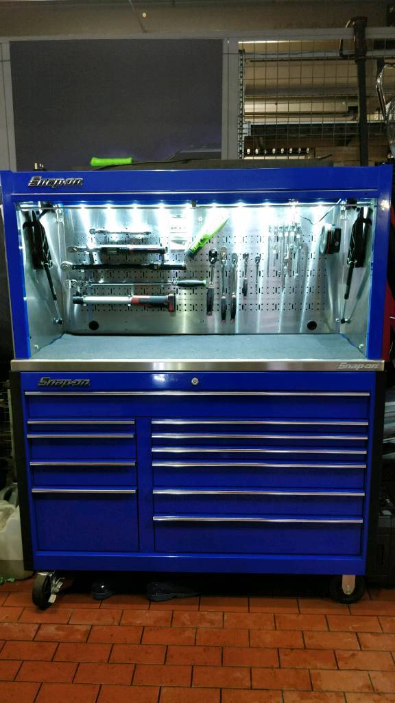 "snap on 55"" classic tool box and riser 