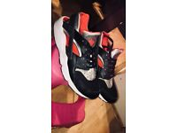 Nike Air Huarches. Black grey and red