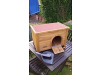 Rabbit/Guinea pig hutch for sale perfect condition (Almost brand new). £30 o.n.o