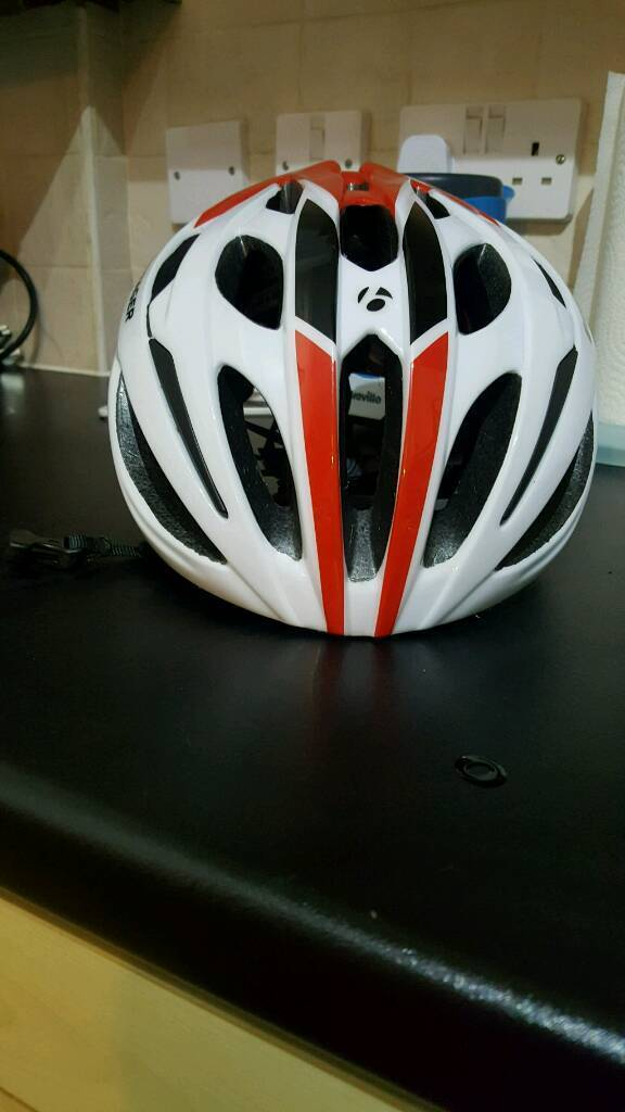 Bontrager helmet medium sizein Whitefield, ManchesterGumtree - Bontrager helmet in medium, only worm once then I changed my bike so doesnt go. Its in brand new condition Thanks