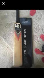 Cricket bat size 6