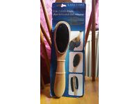 3 in 1, shoe horn and lint remover,,, cloth brush