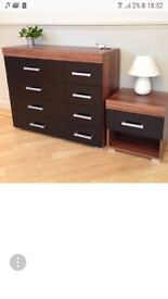 Chest of 4+4 drawers and small table