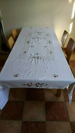 Table cloth and napkins 2500mm x 1700mm
