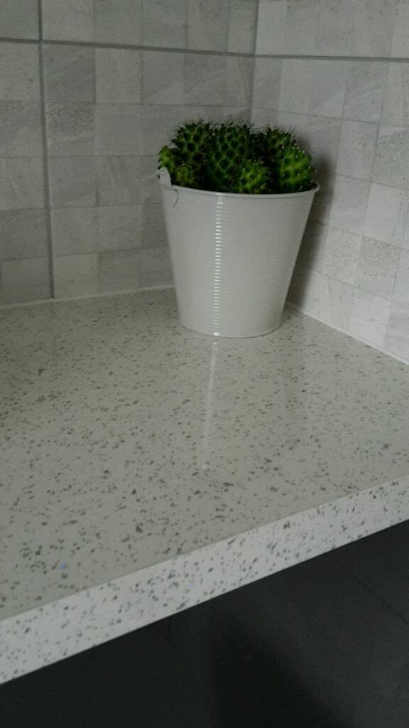 Brand new Howdens white mirrored chip square edge worktop