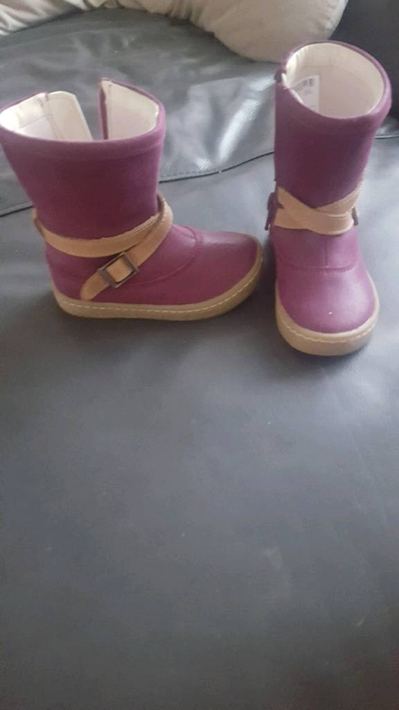 Size 5g boots