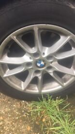 I sell bmw series 5 of 2002 diesel 2.5 battery does not charge