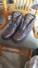 Meindl Hiking / walking boots 11