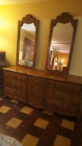 Thomasville dresser and 2 mirrors