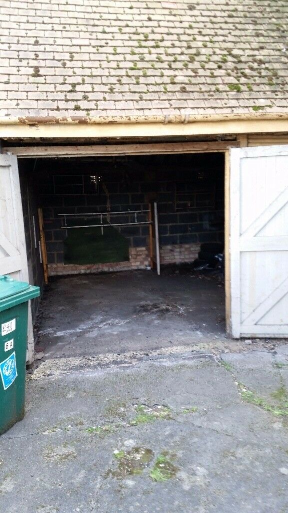 GARAGE TO LET DOUBLE