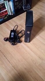 Microsoft Xbox 360 Elite (Latest Model)- 250 GB Black Console ( THE READER STOP WORK )