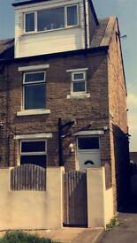 3 bedroom terrace house for rent bd4 area