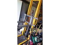 Pallet truck / fork lifter