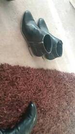 Boots size7