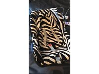 Maxi Cosi Ultra Soft 0-13kg Baby Carrier Zebra Print in great condition