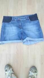 Next maternity shorts size 14