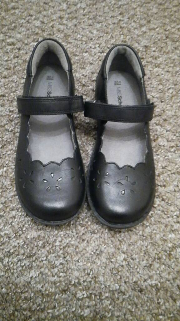 Girl s leather school shoes M S size 13.5  30ac5b396