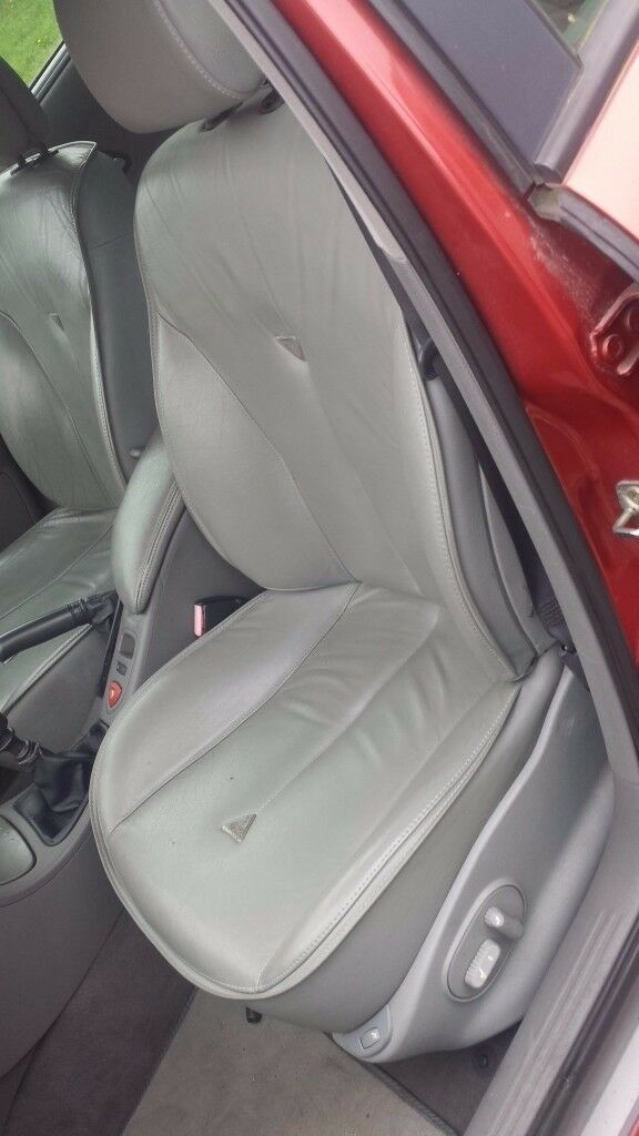 RENAULT LAGUNA 2002 FULL LEATHER SEAT SET in VGC – ELECTRIC AND HEATED. £130