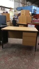 Desk With 2 Draws