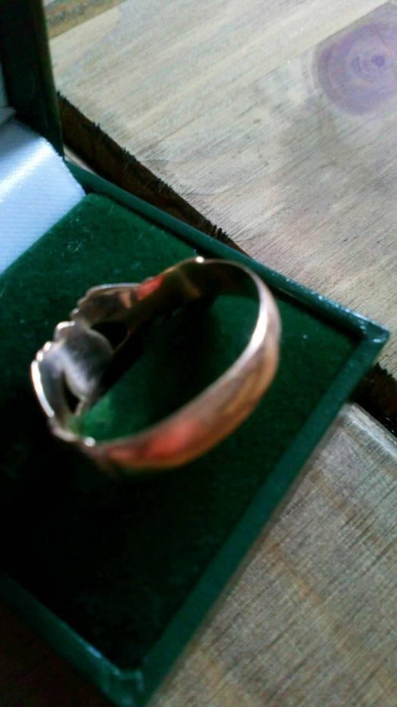 Man S 9ct Gold Ring Large In Llandaff Cardiff Gumtree