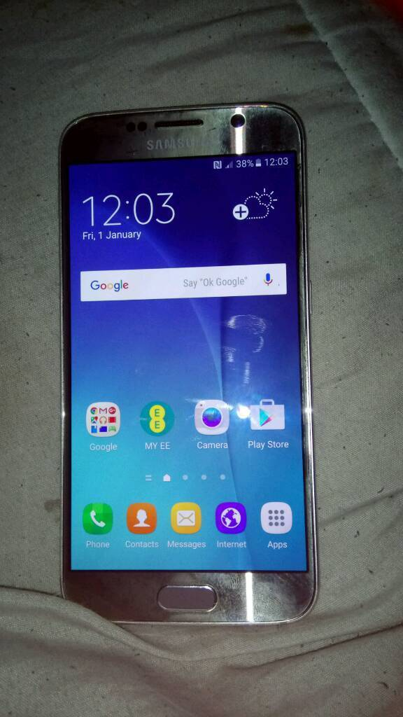 Samsung galaxy s6 32gbin Erith, LondonGumtree - Works fine apart from the microphone needs replacing its on EE dont know if it takes any other sim has no charger as it stopped working