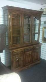 STUNNING WALL DISPLAY UNIT SOLID WOOD BEAUTIFUL DESIGN WITH GLASS TOP DOORS AND SIDE SIZE BELOW