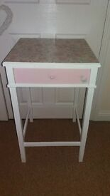 Gorgeous shabby chic unit with built in useable drawer