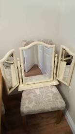 Vanity mirror for dressing table