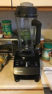 Vitamix Blender w/ 4Years Warranty