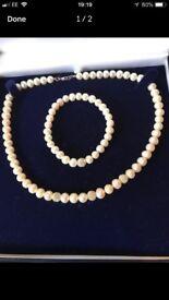 Elizabeth duke pearl necklace and bracelet